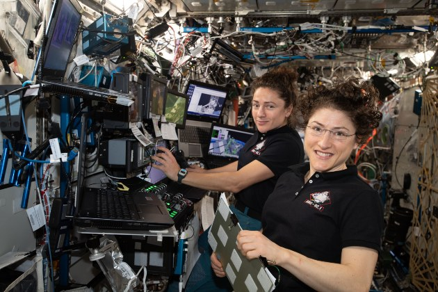 Astronaut Abby_11 Women Who Broke Barriers in the Space Industry_Jessica Meir and Christina Koch_2021