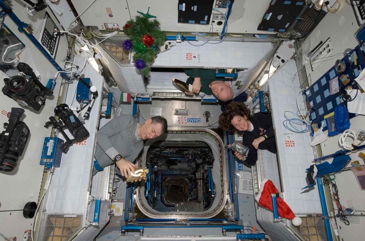 Astronaut Abby_Astronauts Time in Space_ISS Eating_The Mars Generation